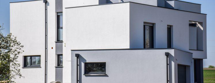 Ecopassiv - Vue de côté de la maison avec le crépis